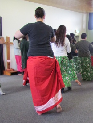 Prisoners at Auckland Region Women's Corrections Facility learn cultural dance