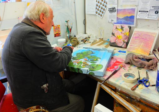 Michael Cox at work at Pablos Art Studio
