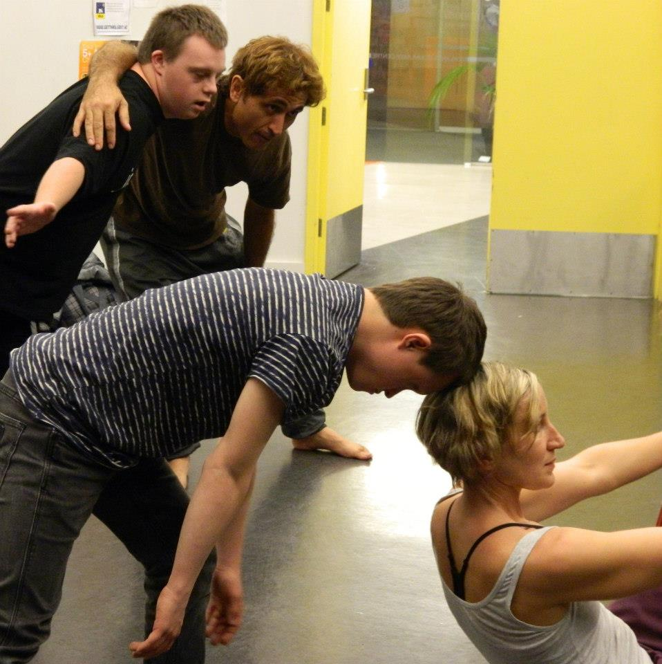 Tutor Sumara Fraser and WIDance in a Jolt Dance workshop