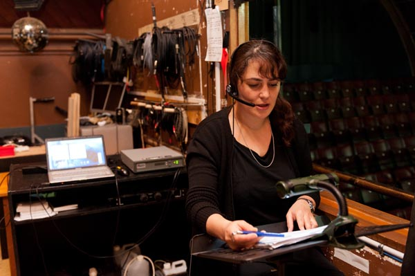 Anna Henare audio describes at Fortune Theatre Photo: Alan Dove