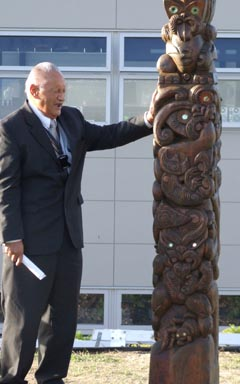 Prison chaplain, kaumatua Wally Hayward, blesses the poupou